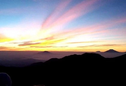 Golden Sunrise di Dieng