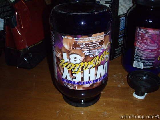 how to get whey protein out of container (2)