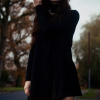 swingy black and over the knees | OOTD