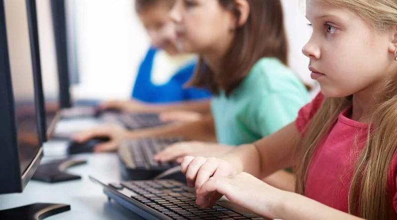 Baixa velocidade e falta de capacitação dificultam uso da internet em escolas