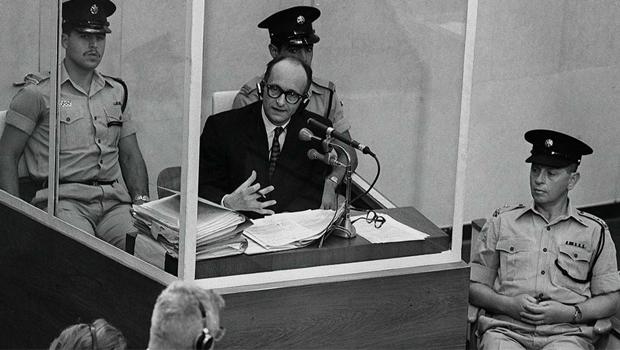 Adolf Eichmann, capturado na Argentina, foi condenado à morte em Israel  / jewishcurrents.org