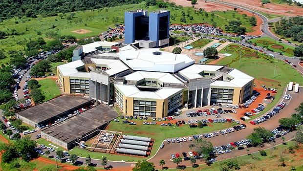 Confira a agenda dos candidatos à Prefeitura de Goiânia para domingo (25)