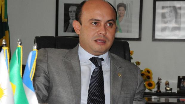 Resultado de imagem para Ex-governador do Tocantins é preso pela Polícia Federal por fraudes em licitações