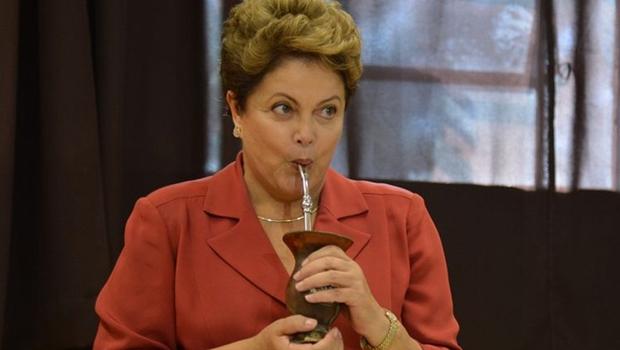 TCU dá mais 30 dias para defesa de Dilma se explicar sobre contas de 2015