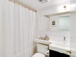 23_1stbathroom11