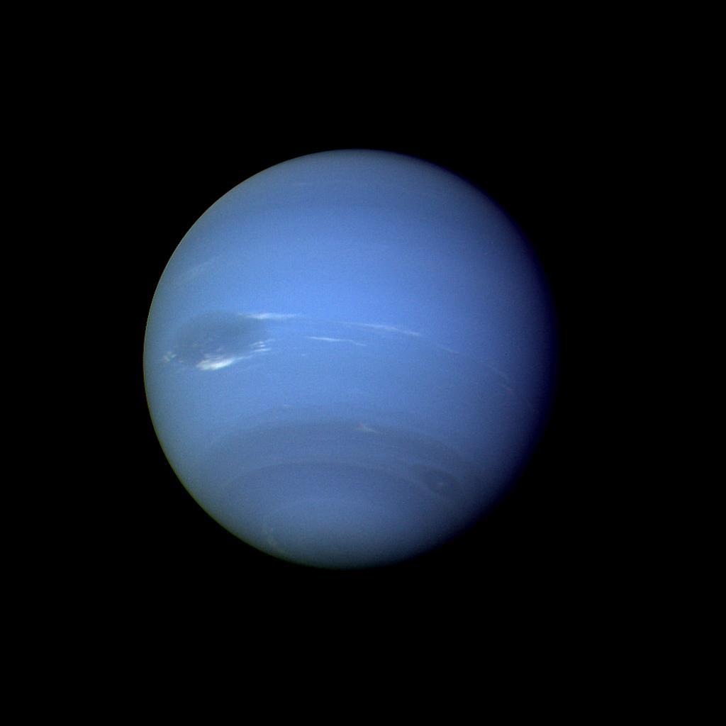 Iphone Cloud Wallpaper Space Images Neptune Full Disk