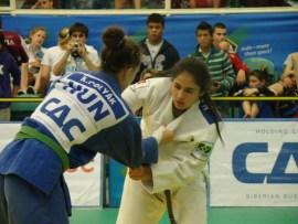 Filmada por Giovani Góes,         Manoela conquistou o bronze no último fim de semana   Foto: CBJ
