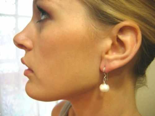 ANTONIA.White 11m Pearl Earring