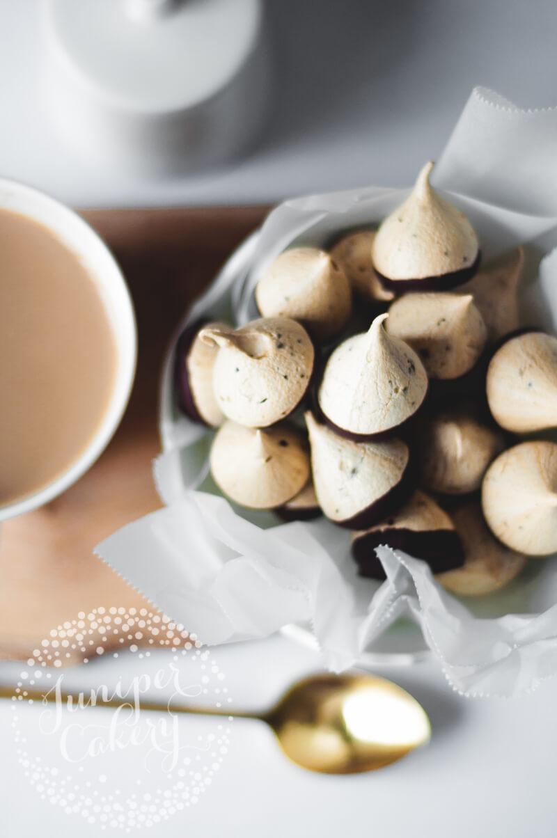 Easy meringue kisses recipe