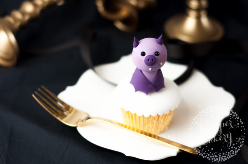Fondant bat tutorial for cute Halloween cakes and cupcakes by Juniper Cakery