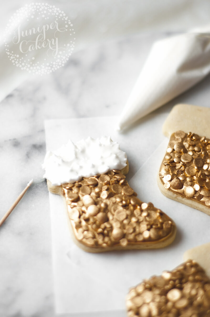 Step by step tutorial for sequin Christmas cookies tutorial