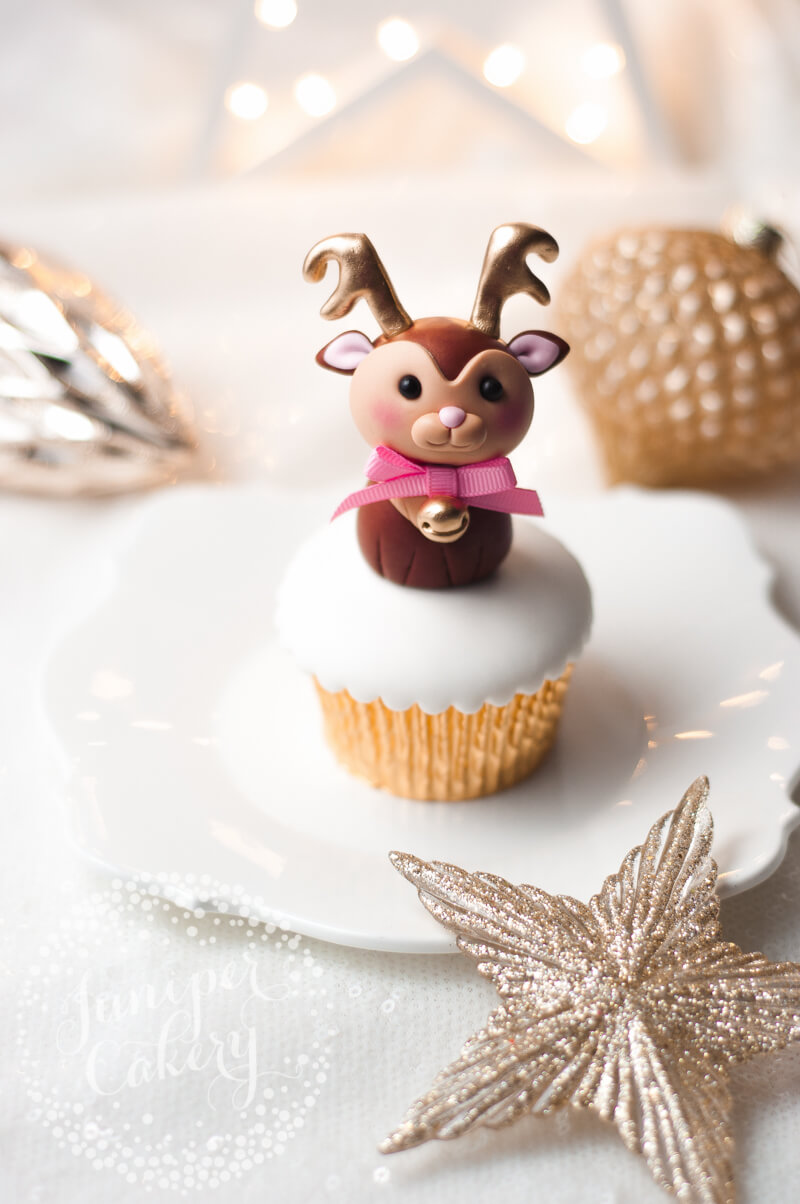 How to make a fondant reindeer for cakes