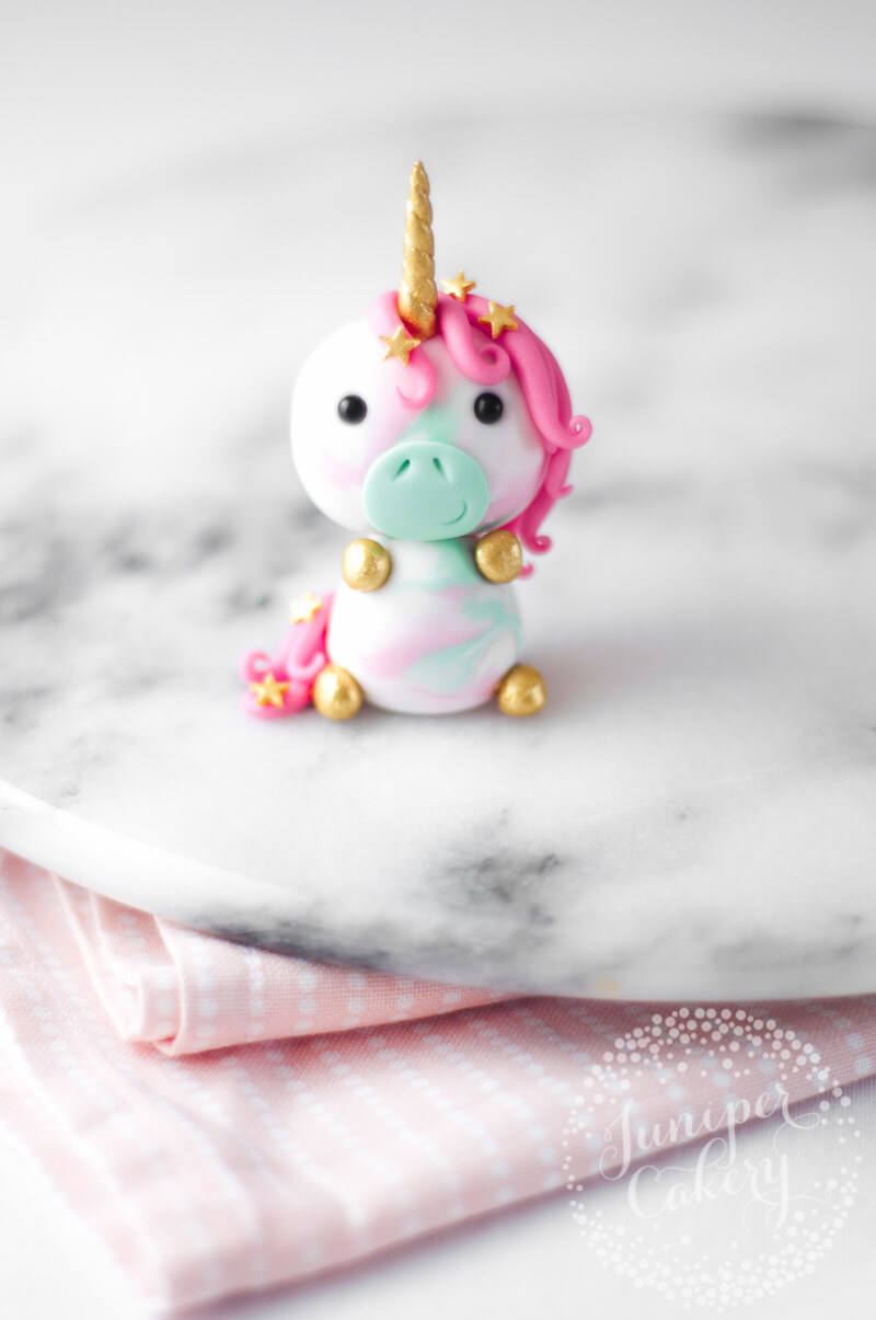 How To Make A Unicorn Horn Cake Topper