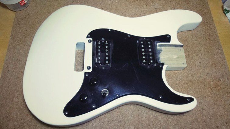 Mick Mars Style Stratocaster 01