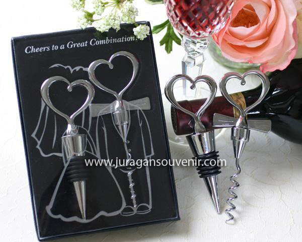 Couple Bride Groom bottle opener Stopper