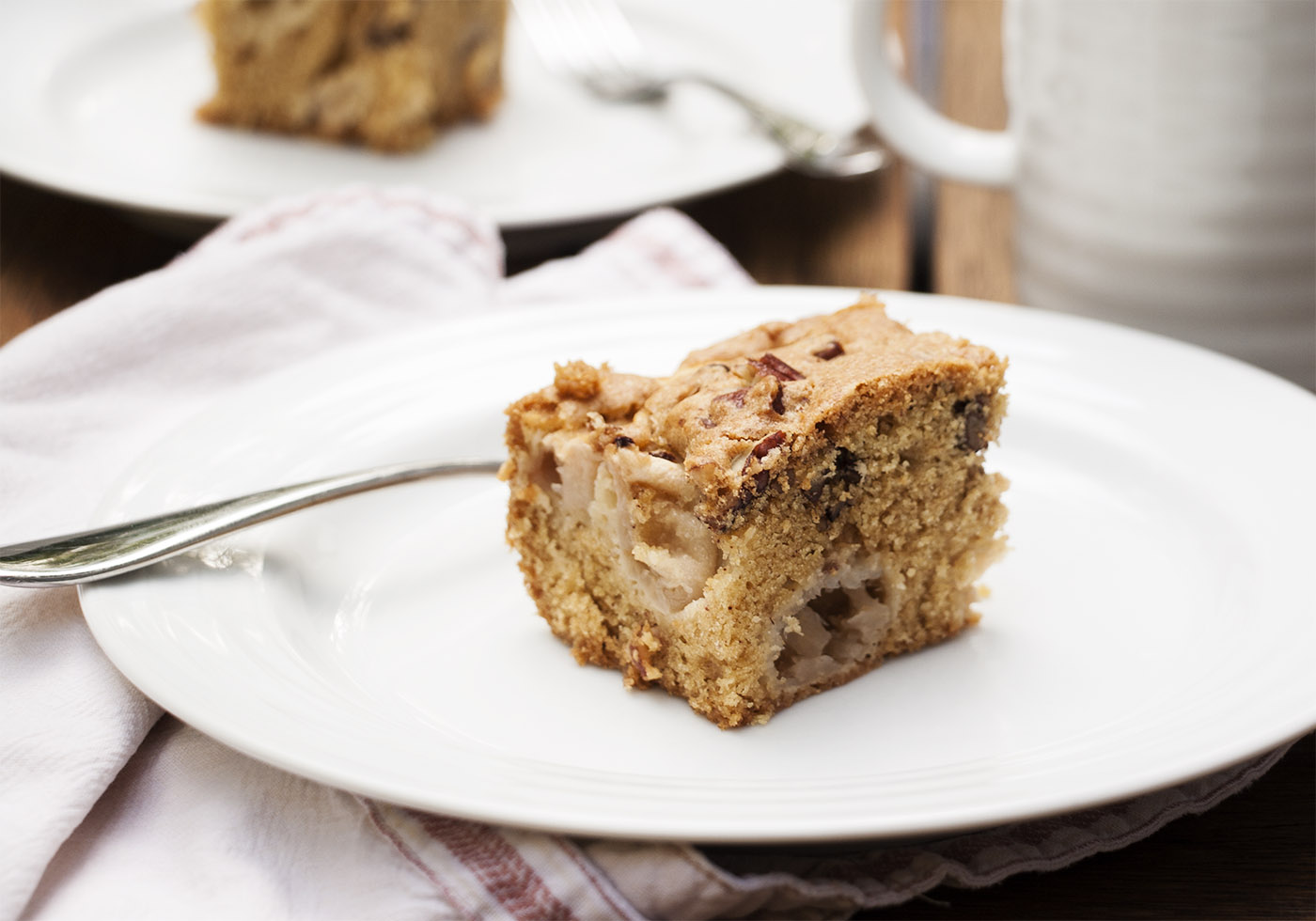 Mom's Amazing Fresh Apple Cake - This cake is so easy, tasty, and full ...
