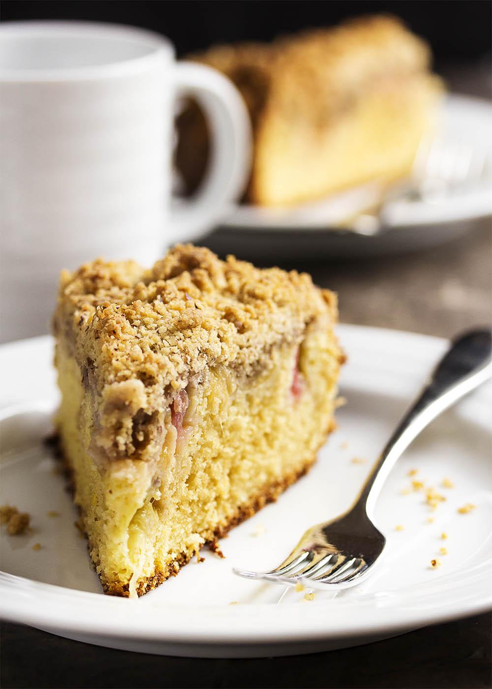 Rhubarb Coffee Cake With Crumb Topping