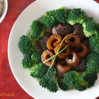 Braised Mushroom & Sea Cucumber with Broccoli