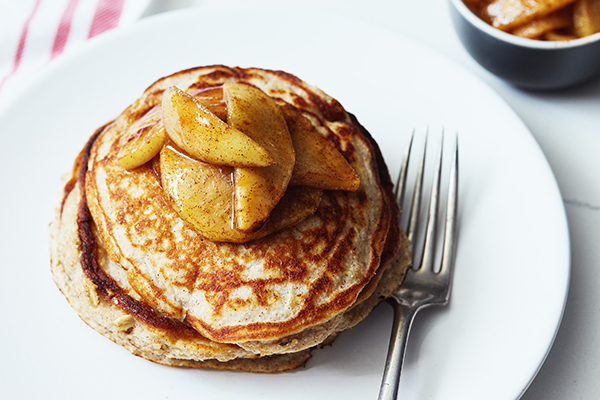 Apple_Cinnamon_Protein_Pancakes_in_post