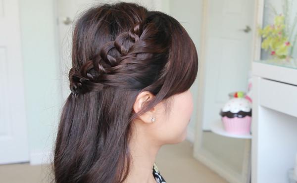 Crochet Loop Braid Hairstyle by Bebexo