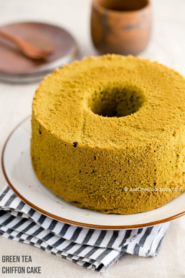 Green Tea Chiffon Cake 抹茶シフォンケーキ • Just One Cookbook