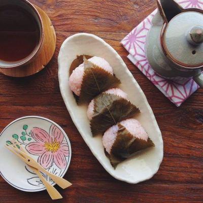 Sakura Mochi 桜餅 • Just One Cookbook