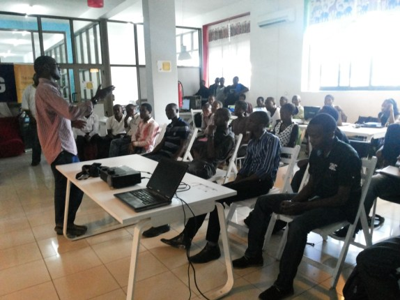 SAMSUNG ZALEGO TRAINING AT BUNI HUB AT COSTECH IN DARESALAAM TANZANIA 3 JUUCHIN