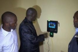 Administration publique : Des pointeuses numériques pour contrôler la présence des fonctionnaires