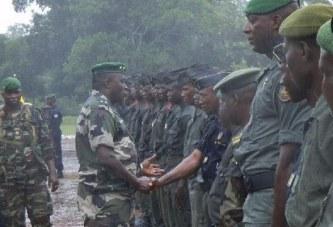 Ebola : la Guinée renforce la sécurité frontalière avec la Sierra Léone
