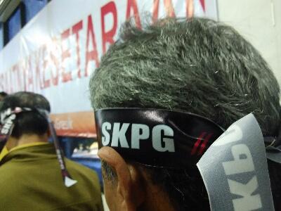 Karyawan Petro Berencana Mogok Kerja