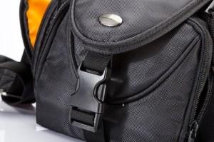 Torba na aparat fotograficzny - Arkas CB40706 - klamra przedniej kieszeni