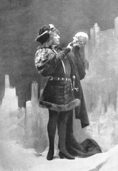 Sarah Bernhardt in Amleto