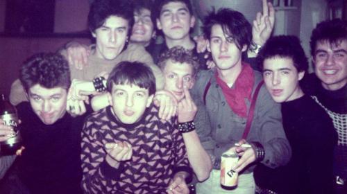 Punk sassolesi primi anni Ottanta, Upside, primo a destra Tritone, secondo a destra Settantasette