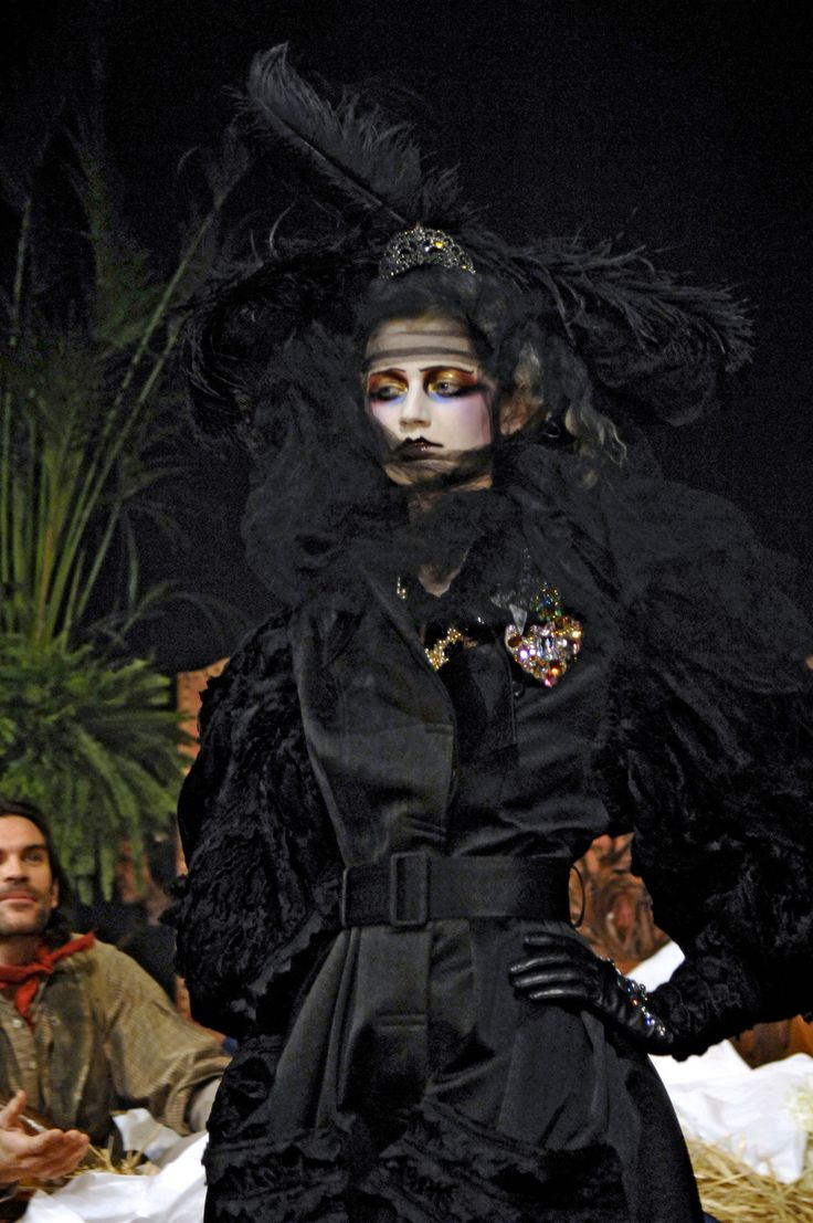 John Galliano- FW 2007 - Tribute to Marchesa Luisa Casati