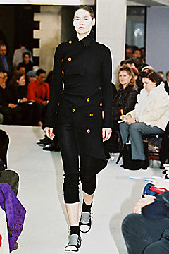 Comme des Garçons Fall 2002 Ready-to-Wear 1,  via vogue.com