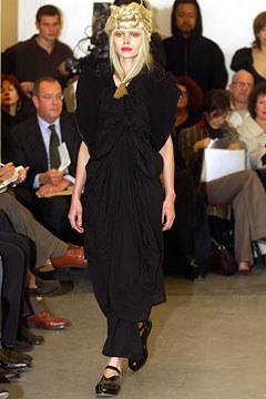 Comme des Garçons Spring 2003 Ready-to-Wear 1,  via vogue.com