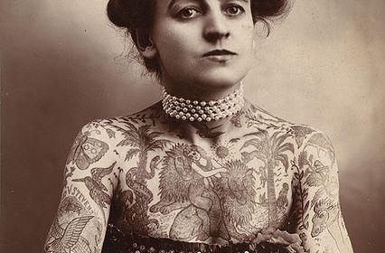 Maud Stevens Wagner donne tatuate