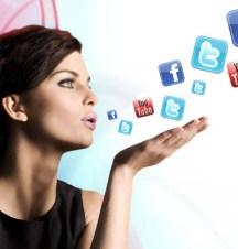 Wanita Lebih Eksis di Media Sosial