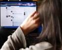 Resiko Bila Remaja Suka Buka Facebook Malam Hari