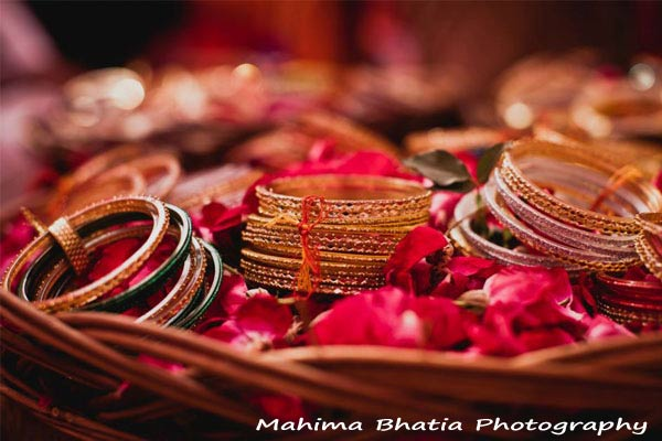 Bangle Girl Wallpaper The True Significance Of Bangles In Indian Culture
