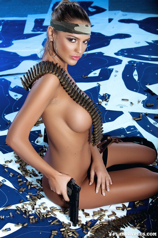 Charlie-Riina-Guns-And-Sexy-Kanoni-3