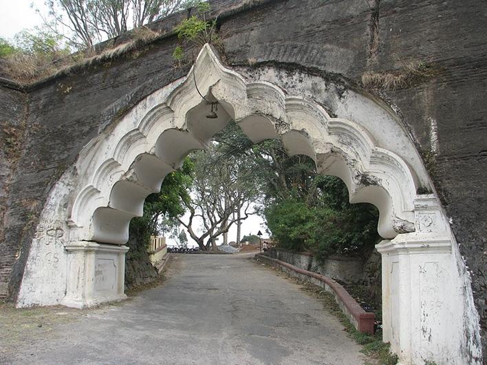 Tipu's Fort, Nandi Hills, Image courtesy Tinucherian