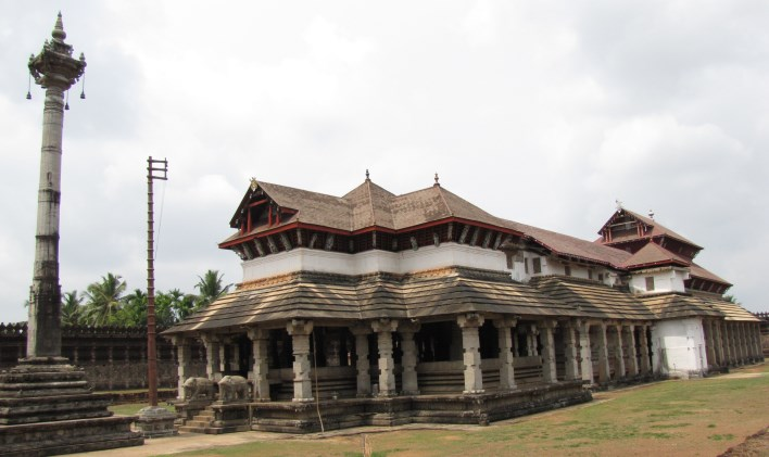 1000 pillar Saavira Kambada Basadi Jain temple at Moodabidr