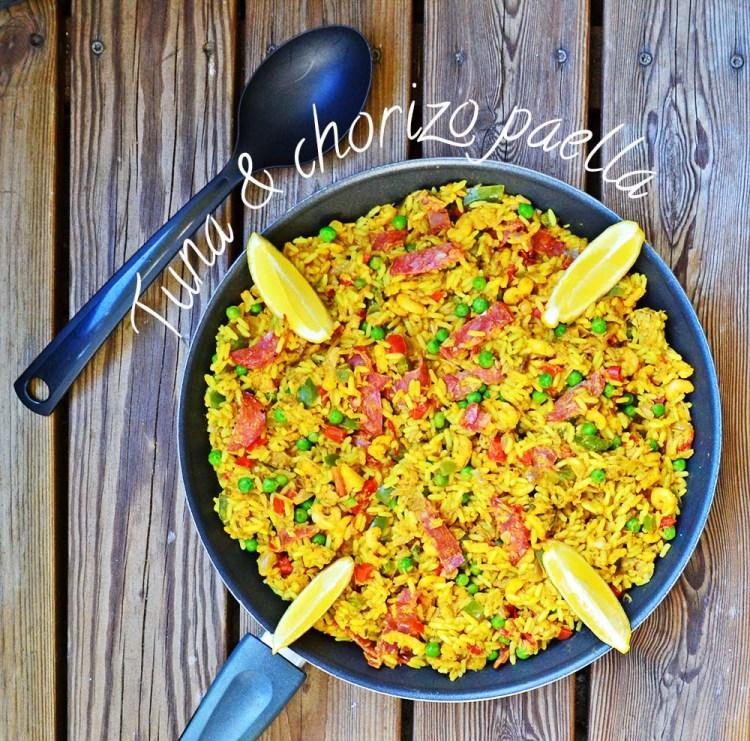 Paella med tunfisk og chorizo