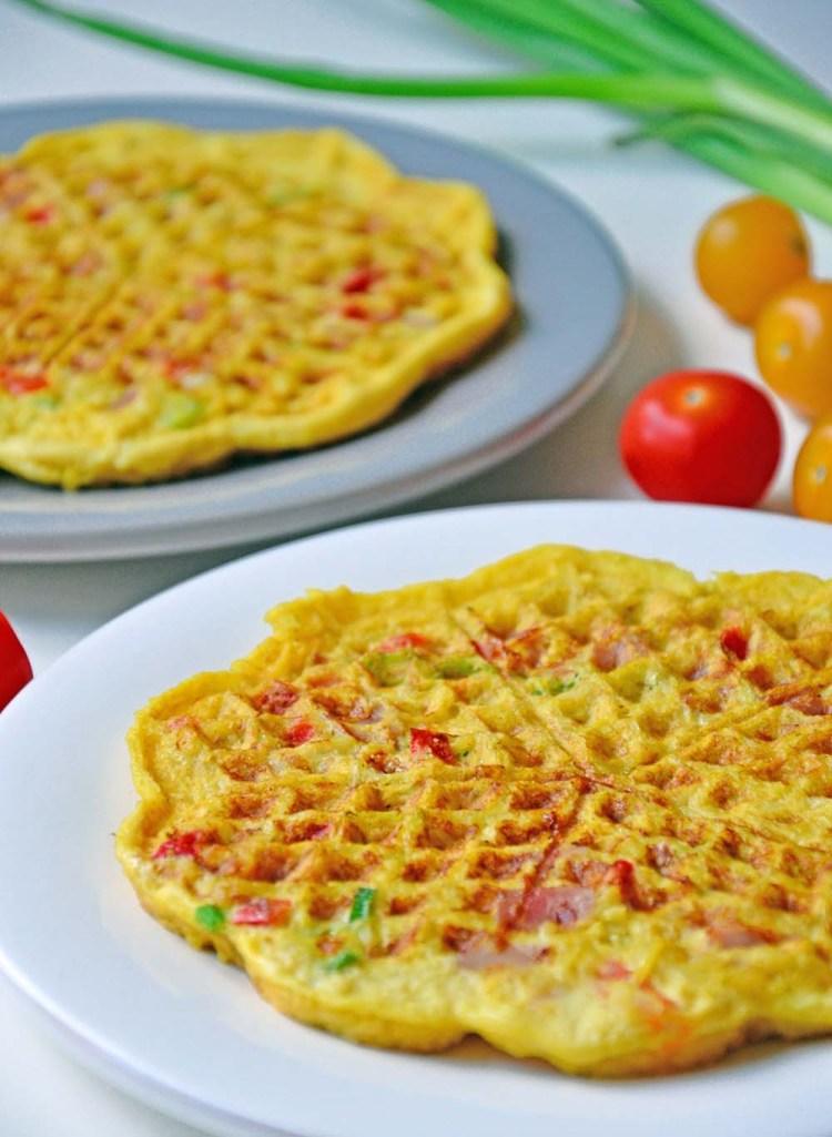 Omelettvaffel med potet, skinke og parmesan