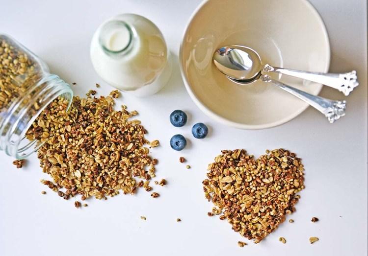 Crunchy buckwheat granola