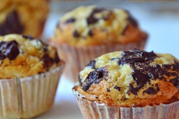 Peanut chocolate chip muffins