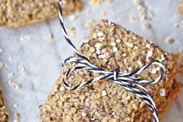 Oatmeal crisp bread