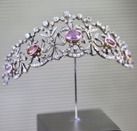 A pink topaz, diamond, and silver-topped gold bowknot tiara, by Joseph Chaumet, circa 1900.