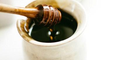Kávé mézzel? – 5 jótanács ha mézzel édesíted a kávédat